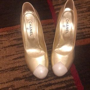 Chanel gold pumps Sz 39.5
